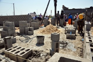 0918-construction-site-pixshark-897x598
